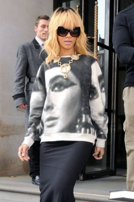 Celebs-wearing-celebrity-T-shirts8