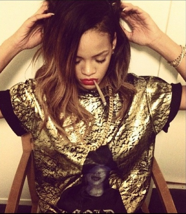 rihanna-blunt-gold-red-lips